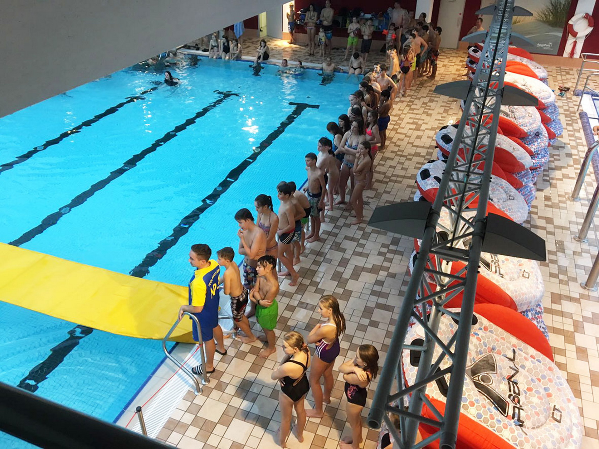 Tolle Stimmung Bei Der Kino Pool Party Aquapark Baunatal